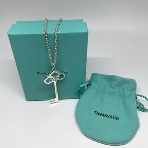 TIFFANY & CO FLEUR DE LIS KEY PENDANT & NECKLACE